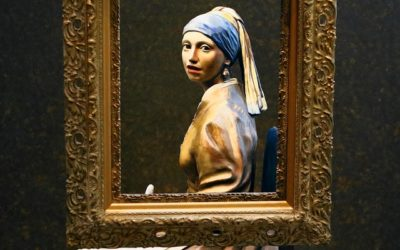 The girl with a pearl by Johannes Vermeer